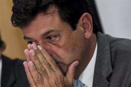 """Brasil.- El ministro de Salud brasileño prevé dejar el cargo """"como mucho, mañana"""""""