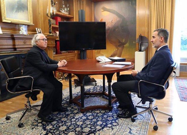 VÍDEO: Coronavirus.- El Rey recibe a Castells, primer ministro de Podemos que va