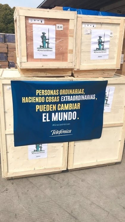 Telefónica compra 150 toneladas de equipamiento sanitario y desarrolla la logística para su entrega en España