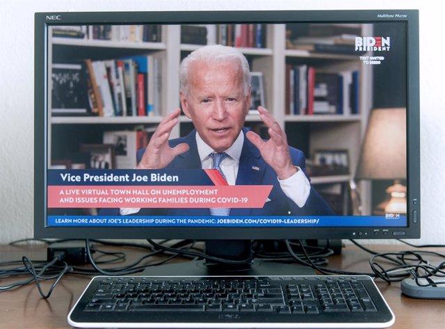 """Coronavirus.- Biden insiste en que es """"falso"""" tener que discernir entre salud y"""