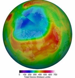 Agotamiento sin precedentes del ozono estratosférico sobre el Ártico