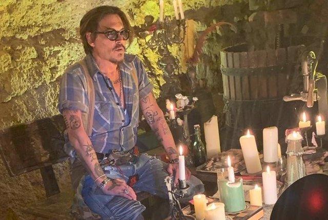 Johnny Depp se estrena en Instagram