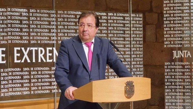 Fernández Vara durante la rueda de prensa telemática.