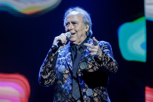 El cantante Joan Manuel Serrat durante su actuación en el WiZink Center de Madrid el 20 de enero del 2020.