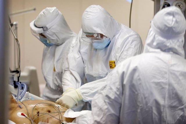 Coronavirus.- Italia registra un récord de más de 2.500 altas en un día y supera