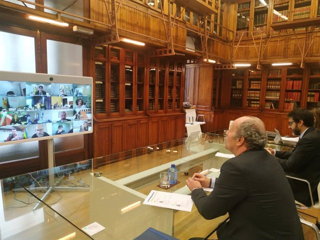 El ministro de Justicia, Juan Carlos Campo, se reúne por videoconferencia con representantes del Consejo General del Estado, Fiscalía General del Estado, Consejo General de la Abogacía Española y Comunidades Autónomas para valorar la crisis del Covid-19
