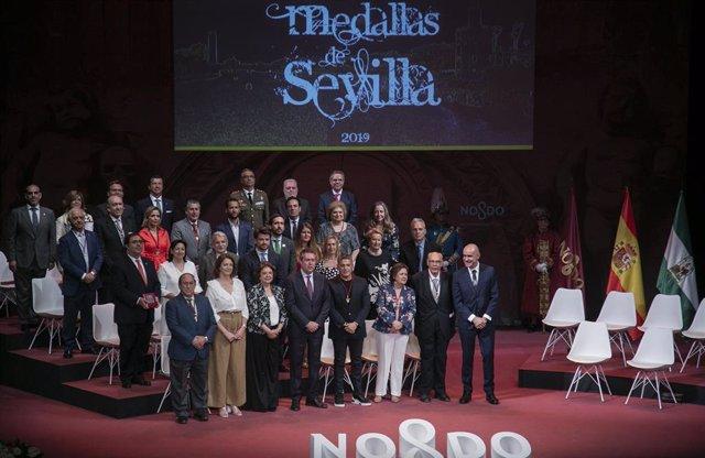 Acto de entrega de las Medallas de Sevilla de 2019