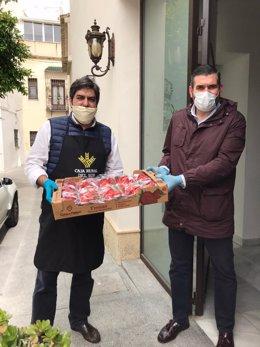 Donación de fresas de Grufesa