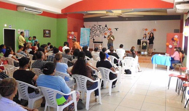 El cooperante andaluz Javier Serrano desarrolla su labor humanitaria en Guatemala.