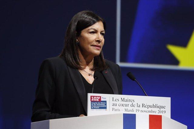 Coronavirus.- París anuncia mascarillas homologadas y lavables gratis para todos