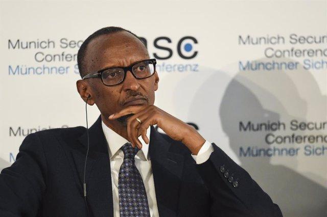 Coronavirus.- Ruanda ordena el uso de mascarillas en espacios públicos y pide su