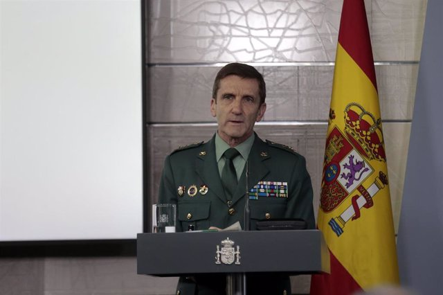 El jefe del Estado Mayor de la Guardia Civil, José Manuel Santiago Marín, interviene en la rueda de prensa para informar de las últimas novedades sobre la situación del Covid-19 en España, en Madrid (España), en una comparecencia del 27 de marzo de 2020.