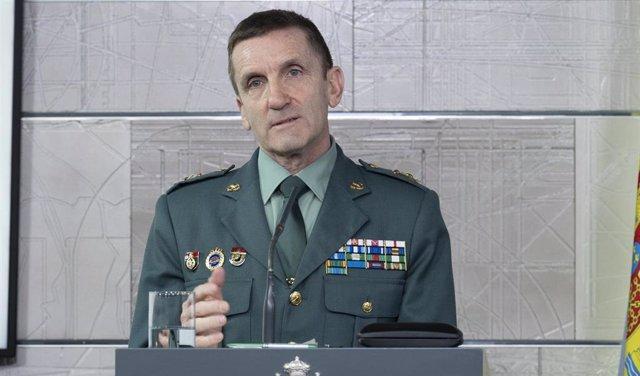 El jefe del Estado Mayor de la Guardia Civil, el general José Manuel Santiago, interviene durante la rueda de prensa posterior a la reunión del Comité Técnico de Gestión del Covid-19, en Madrid (España) a 12 de abril de 2020.