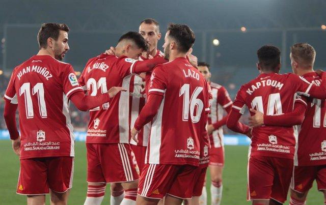 Fútbol.- El Almería no rebajará el salario de sus jugadores ni empleados
