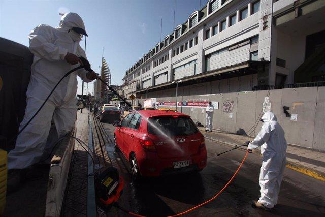 """Coronavirus.- Chile aplaza a mayo el retorno de las clases e inicia una vuelta """""""