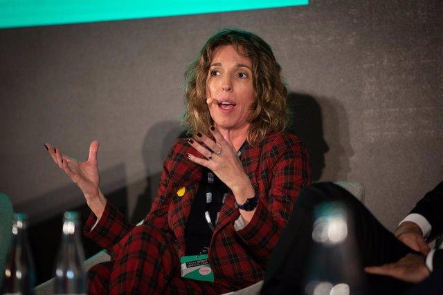 La consellera d'empresa i Coneixement de la Generalitat, Àngels Chacón durant la seva intervenció en la inauguració de Tech Spirit Barcelona, a Barcelona (Espanya), a 25 de febrer de 2020.