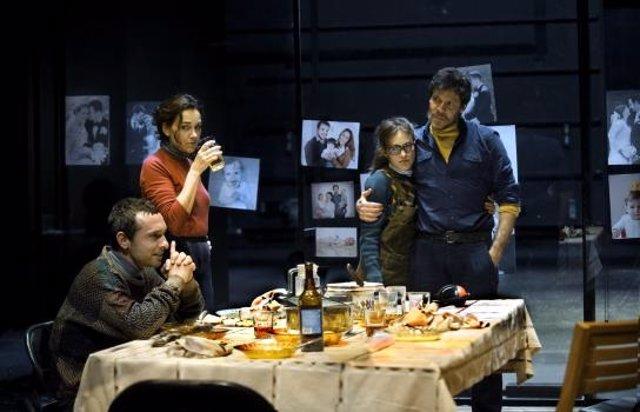 El Teatre Lliure ofereix en línia la producció teatral 'L'Ànec Salvatge'