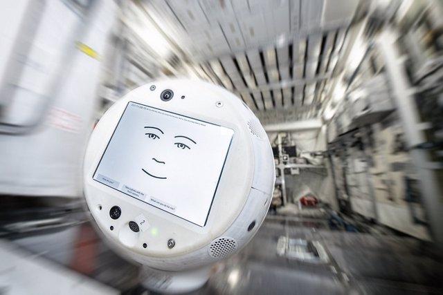 Un robot empático empieza a trabajar en la Estación Espacial