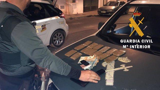 Detenidas dos personas con 14 tabletas de hachís en Níjar (Almería)