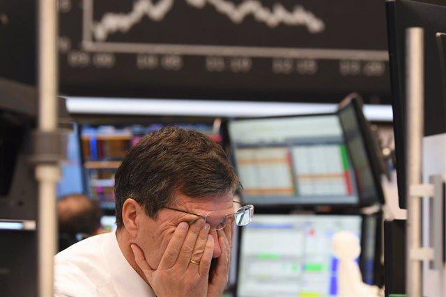 Economía.- El barril West Texas cae a -40 dólares en una contracción sin precede