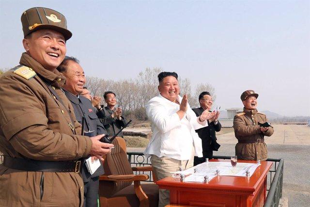 """Corea.- Aseguran que Kim Jong Un está en """"grave peligro"""" tras haberse sometido a"""