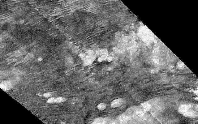 Predicen diablos de polvo en la superficie de Titán