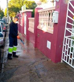 Labores de desinfección en Palomares del Río