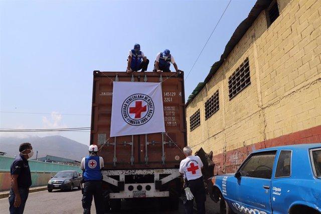 Llegada de un cargamento de ayuda humanitaria de la Federación Internacional de Cruz Roja (FICR) a Venezuela