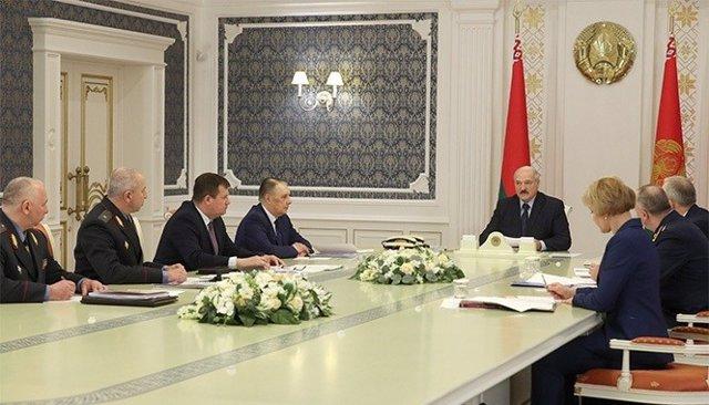 El presidente de Bielorrusia, en una reunión gubernamental