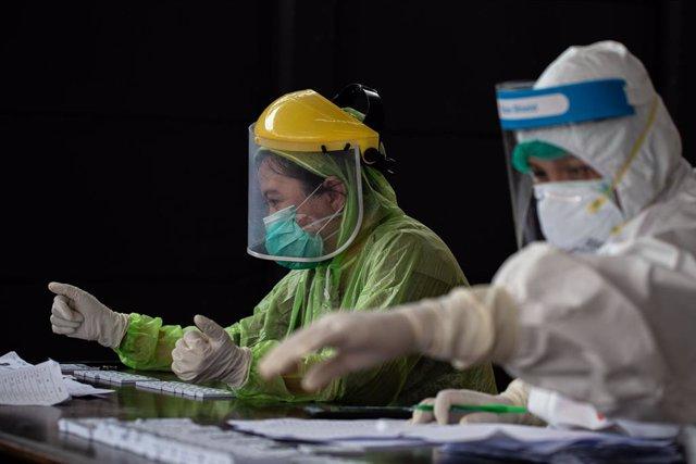 Coronavirus.- Indonesia cierra una treintena de empresas por violar las medidas