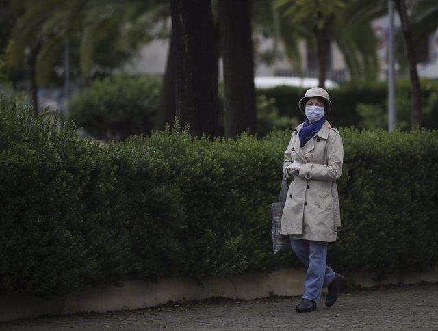 Coronavirus.- Irlanda prohíbe las reuniones de más de 5.000 personas hasta septi