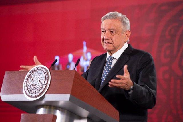"""Coronavirus.- López Obrador opta por la """"humillación"""" para las empresas que viol"""