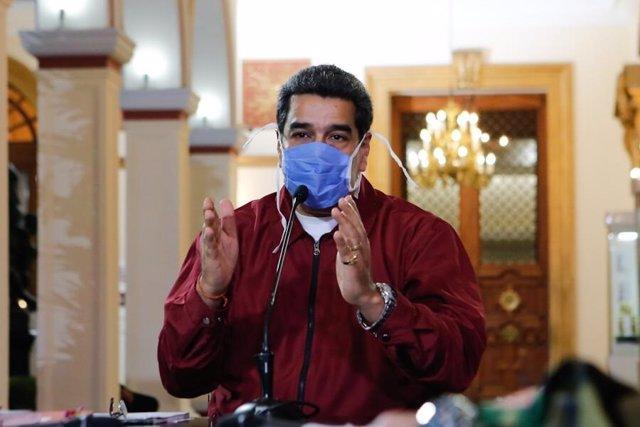 El presidente de Venezuela, Nicolás Maduro, con una mascarilla por el coronavirus