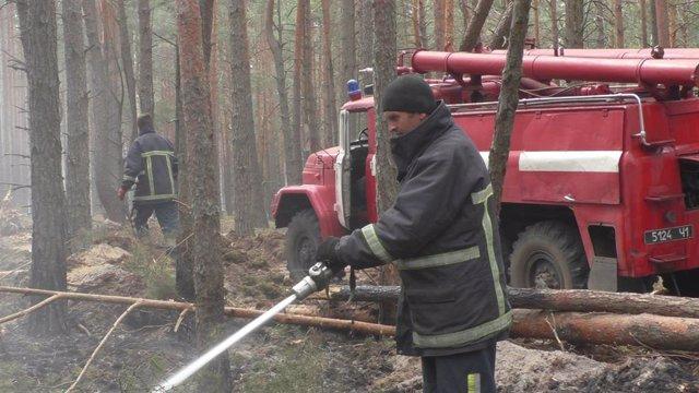 Ucrania.- Los incendios forestales persisten desde hace semanas en Chernóbil sin