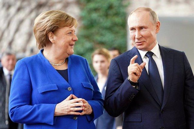 La canciller alemana, Angela Merkel, y el presidente ruso, Vladimir Putin (Imagen de archivo)