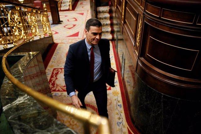 El presidente del Gobierno, Pedro Sánchez, durante el pleno celebrado este miércoles en el Congreso, donde el gobierno expone los resultados de los últimos consejos europeos y los motivos por los que solicita una nueva prórroga del estado de alarma.