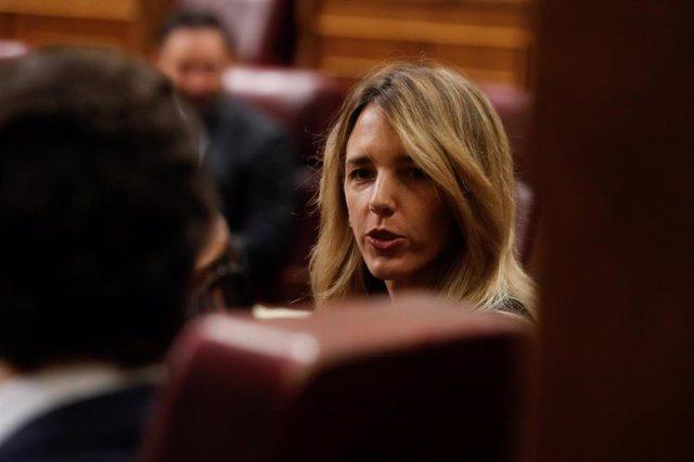 El líder del PP, Pablo Casado, y su portavoz parlamentaria Cayetana Álvarez de Toledo, en el Pleno del Congreso