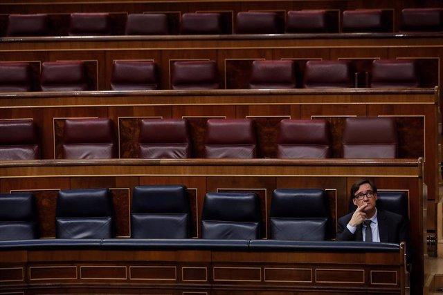 El ministro de Sanidad, Salvador Illa, en el pleno del Congreso