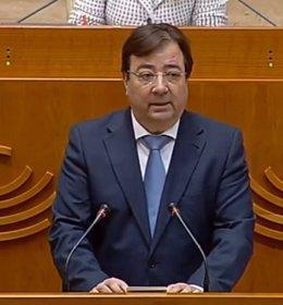 El presidente de la Junta de Extremadura, Guillermo Fernández Vara, en su comparencia en la Asamblea