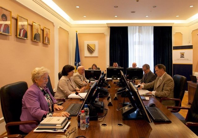 Coronavirus.- El Constitucional de Bosnia declara inconstitucional el confinamie