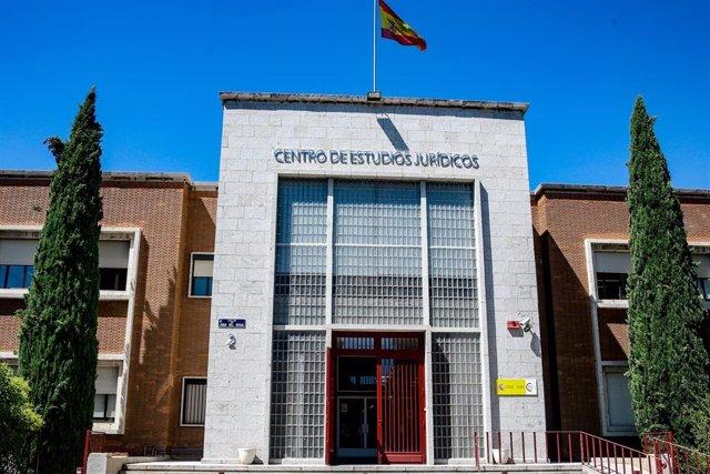 Imagen de la fachada del edificio del Centro de Estudios Jurídicos en Madrid adscrito al Ministerio de Justicia.