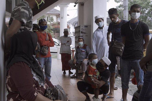 Asia.- ACNUR insta a los países del sudeste asiático a no bloquear los movimient