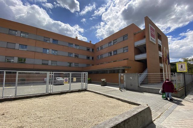 Fachada de la Residencia Usera Domusvi (Madrid), denunciada por el sindicato Progresa ante Inspección de Trabajo por la situación en la que viven los trabajadores y usuarios del centro de mayores