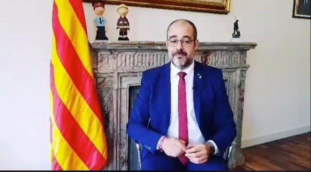 El conseller d'Interior, Miquel Buch, en una captura d'un vídeo que ha publicat en el seu perfil de Twitter