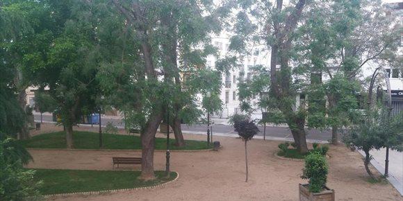 8. El Ayuntamiento de Mérida permitirá el paseo de los niños en zonas verdes y plazas pero no en áreas de juego infantil