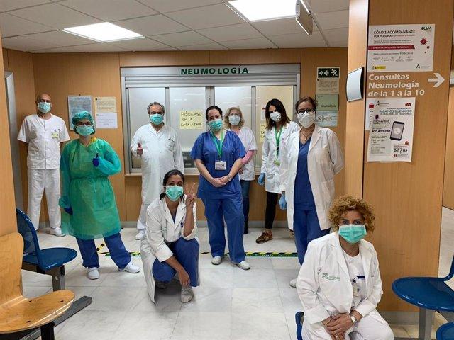 Equipo de neumólogos del hospital universitario Virgen Macarena de Sevilla