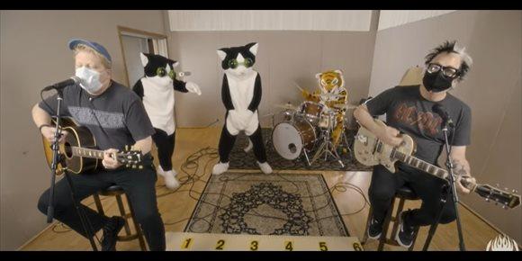 3. The Offspring se entregan a 'Tiger King'