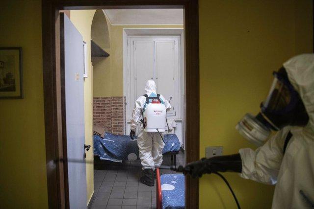 Coronavirus.- Italia roza los 26.000 fallecidos tras sumar otros 420 muertos en