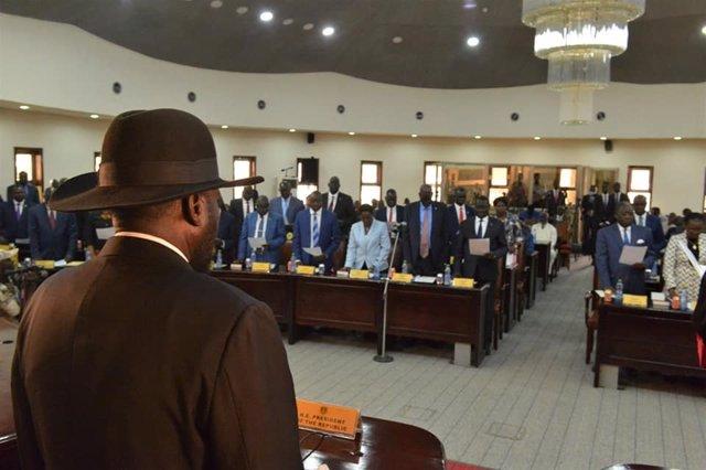 Coronavirus.- El presidente de Sudán del Sur prohíbe todos los actos deportivos,