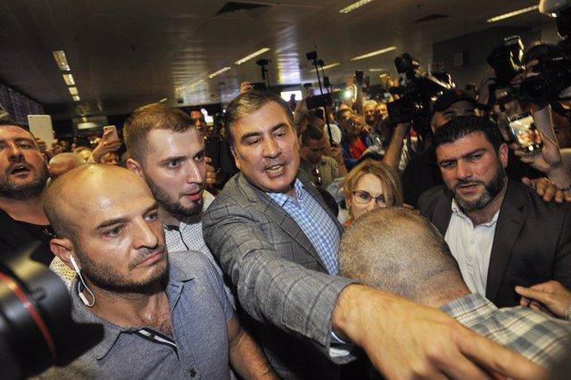 """Ucrania.- Georgia ve """"inaceptable"""" la entrada del expresidente Saakashvili en el"""